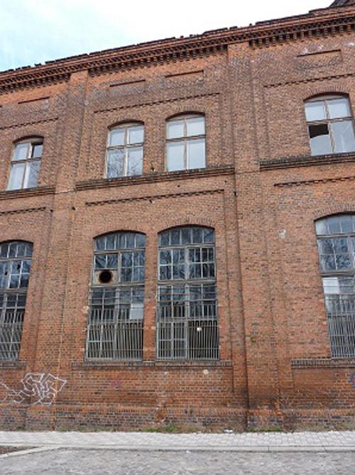 Fassade-Industriegebäude-Magdeburg